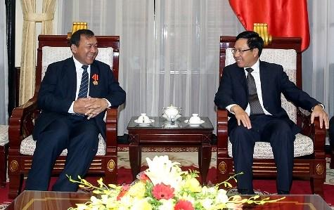 范平明副总理会见柬埔寨和德国驻越大使 hinh anh 1