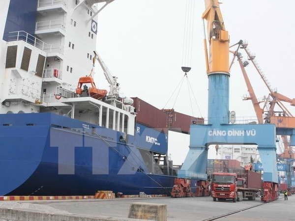 越南全国港口货物吞吐量同比增长13% hinh anh 1