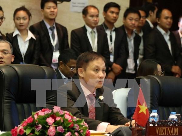 越南外交部副部长黎淮忠:越南积极开展东盟各项行动计划 hinh anh 1