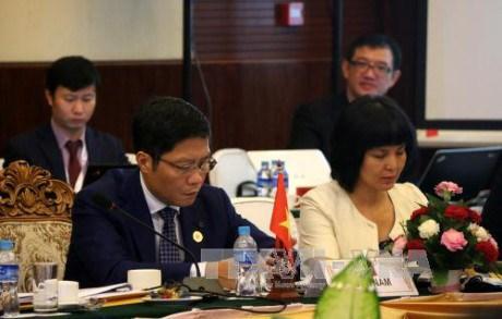 越南为第48届东盟经济部长会议的成功作出巨大贡献 hinh anh 1