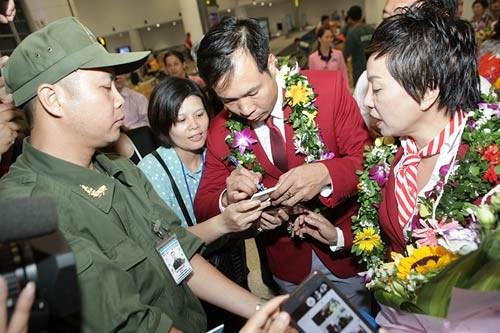 越南迎接载誉归国2016里约奥运会越南体育代表团 hinh anh 1