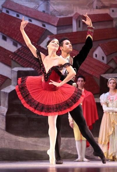 古巴芭蕾舞团在越南巡演 hinh anh 1