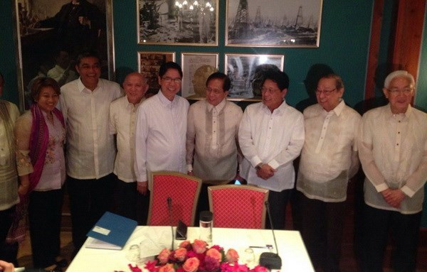 菲律宾政府和菲律宾左派全国民主阵线恢复和平谈判 hinh anh 1