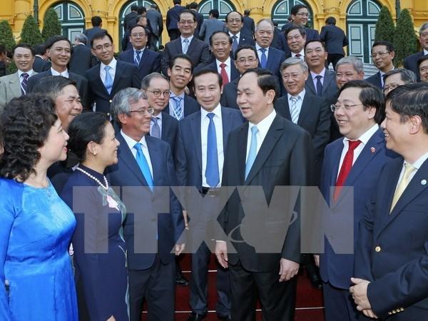 国家主席陈大光会见越南驻外代表机构首长 hinh anh 1