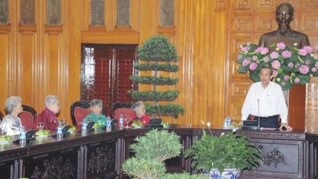 越南国会副主席杜伯巳会见太平省老战士协会代表团 hinh anh 2