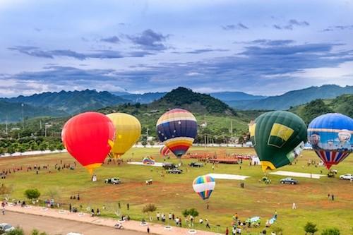 国际热气球节首次在山罗省举行 hinh anh 1