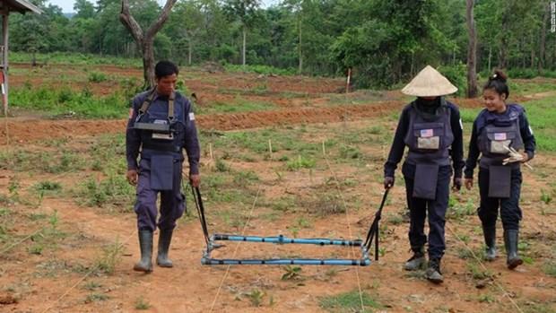 美国承诺为老挝排雷项目援助9000万美元 hinh anh 1