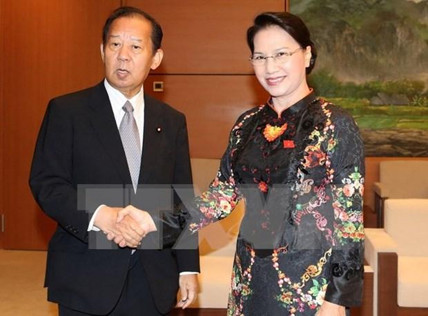 越南国会主席阮氏金银会见日越友好议员联盟主席二阶俊博 hinh anh 1