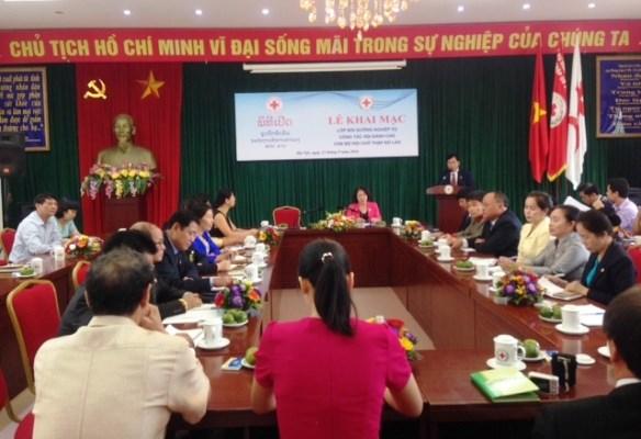越南协助老挝促进红十字会事业发展 hinh anh 1