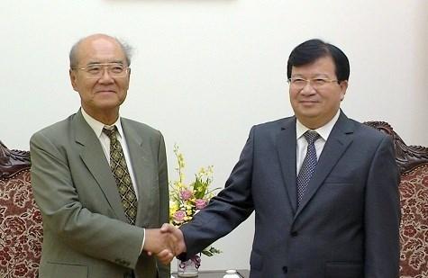 越南政府副总理郑廷勇会见UNESCO前总干事松浦晃一郎 hinh anh 1