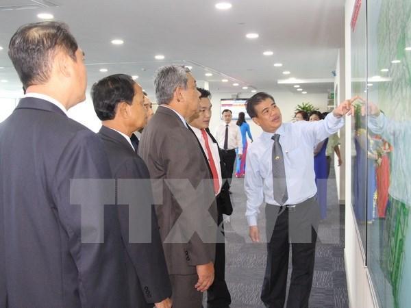 老挝首都万象高级代表团赴平阳省访问考察 hinh anh 1