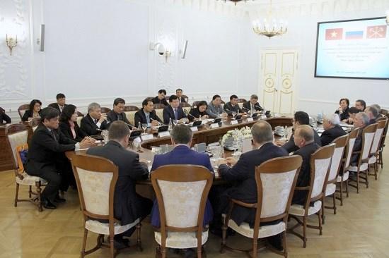 郑廷勇副总理:越俄两国贸易将迎来良好发展机会 hinh anh 1