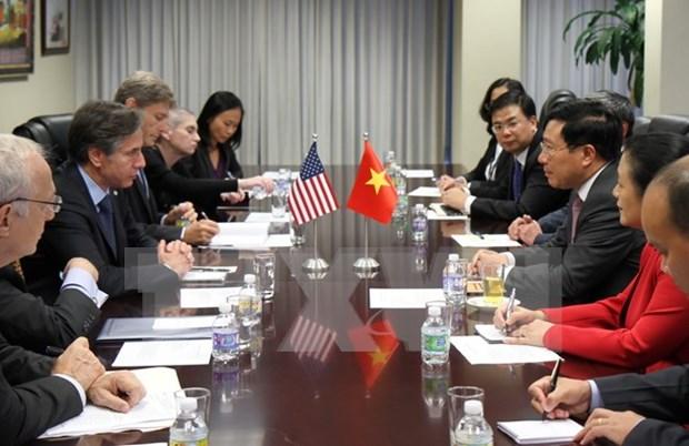 越南副总理兼外长范平明会见美国常务副国务卿布林肯 hinh anh 1