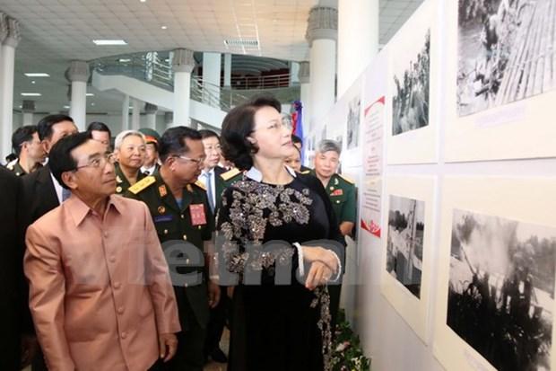 """""""1961至1975年时期传奇的胡志明小道老挝段""""图片展正式开展 hinh anh 1"""