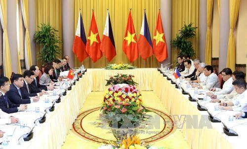 越南国家主席陈大光与菲律宾总统杜特尔特举行会谈 hinh anh 1