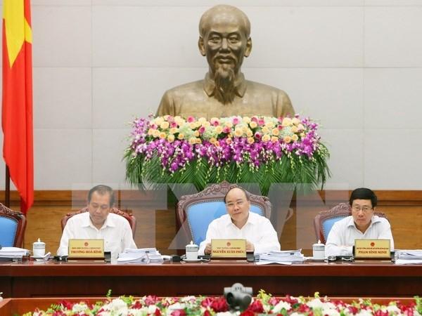 越南政府例行会议:致力实现经济增长率为6.3%至6.5%的目标 hinh anh 1