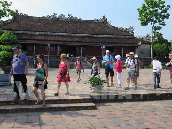 越南顺化古都年初至今接待国际游客量100万多人次 hinh anh 1