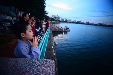 西湖放生——河内人的优良文化 hinh anh 2