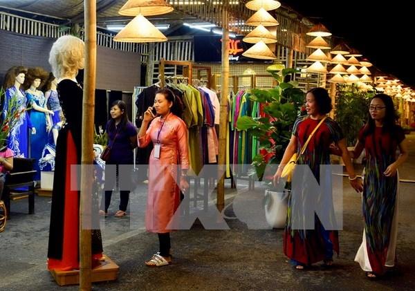 """越南将""""奥黛""""发展成为独特的旅游产品 hinh anh 1"""