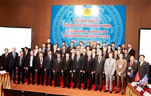 通缉犯国际研讨会在越南举行 hinh anh 1