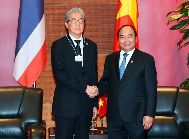 越南政府总理阮春福会见泰国副总理颂吉·乍都斯披塔 hinh anh 1