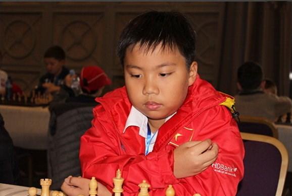 世界青少年国际象棋锦标赛:越南棋手阮国希摘银 hinh anh 1
