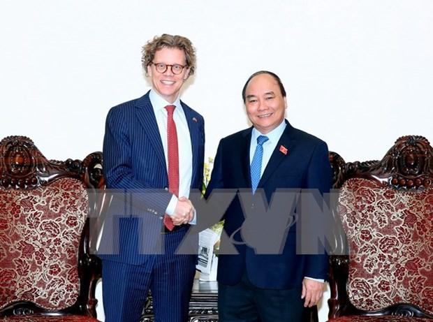 越南政府总理阮春福会见瑞典驻越大使 hinh anh 1