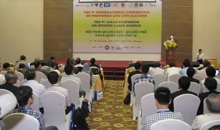第九届全国光学—光谱会议在宁平市开幕 hinh anh 1