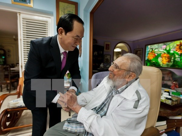 越南国家主席陈大光致电古巴国务委员会主席劳尔·卡斯特罗表示感谢 hinh anh 1