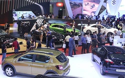 2016年前10个月越南从中国进口9484辆汽车 hinh anh 1