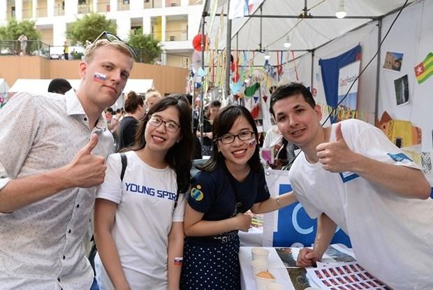 """2018年""""全球志愿者日""""活动在首都河内举行 hinh anh 1"""