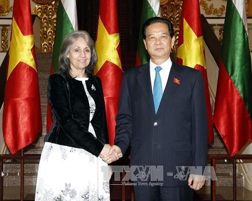 越南政府总理阮晋勇会见保加利亚副总统玛加丽塔•波波娃 hinh anh 1