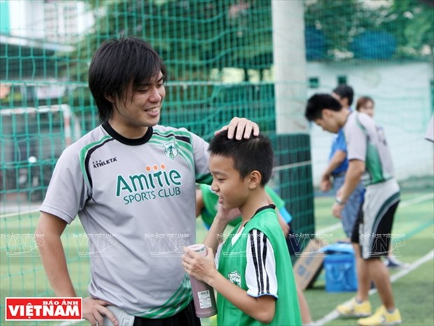 情系越南足球的日本教练 hinh anh 11