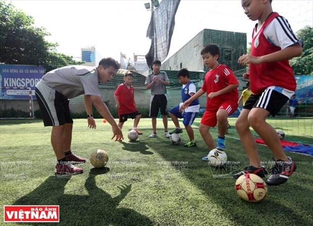 情系越南足球的日本教练 hinh anh 9