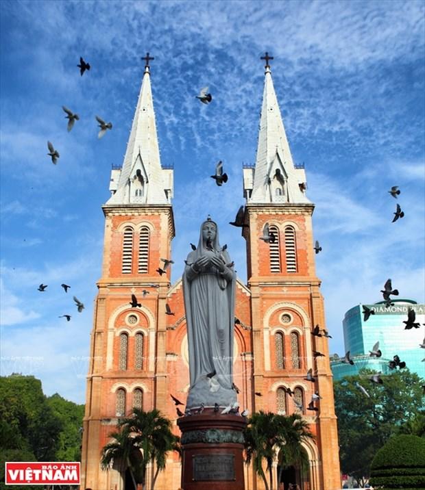 西贡圣母大教堂 hinh anh 2