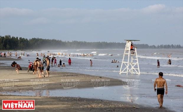 越南祖国最北的海滩——茶古海滩 hinh anh 1