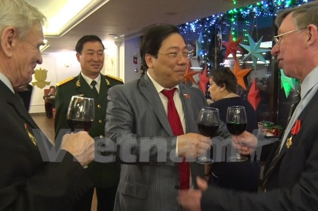 越南驻俄罗斯联邦大使馆举行丙申年春节招待会 hinh anh 1