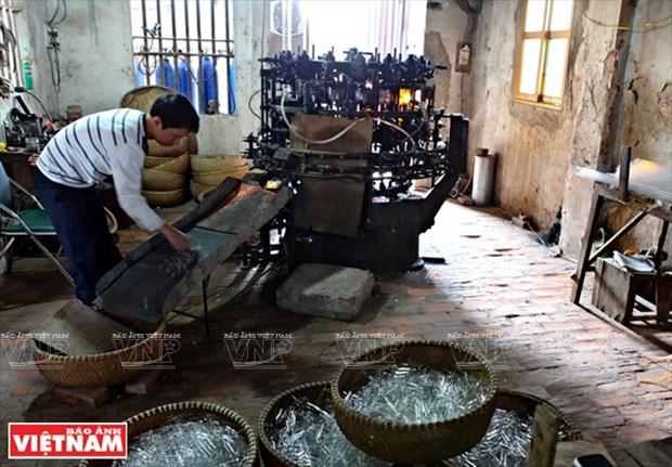 河内市常信县的玻璃吹制业 hinh anh 10