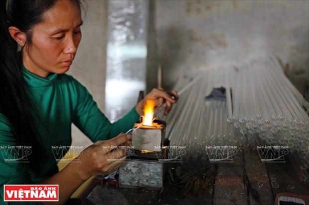 河内市常信县的玻璃吹制业 hinh anh 11