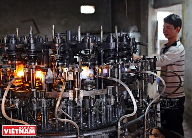 河内市常信县的玻璃吹制业 hinh anh 13