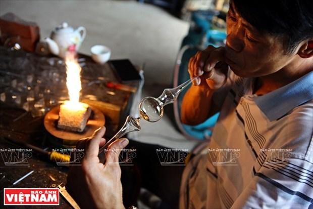 河内市常信县的玻璃吹制业 hinh anh 3