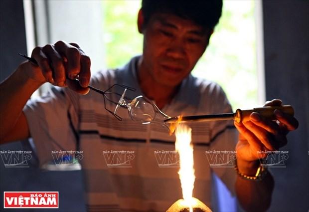 河内市常信县的玻璃吹制业 hinh anh 5