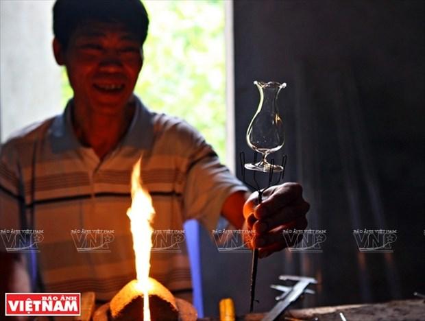 河内市常信县的玻璃吹制业 hinh anh 6