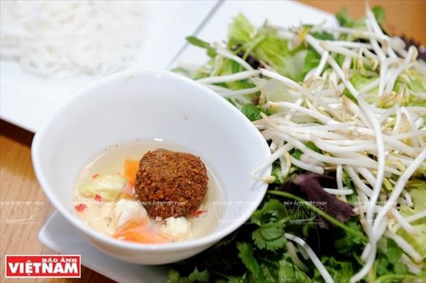 以色列小伙子Shahar Lubin情系越南美食 hinh anh 11