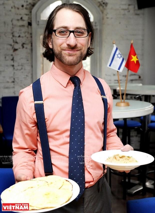 以色列小伙子Shahar Lubin情系越南美食 hinh anh 2