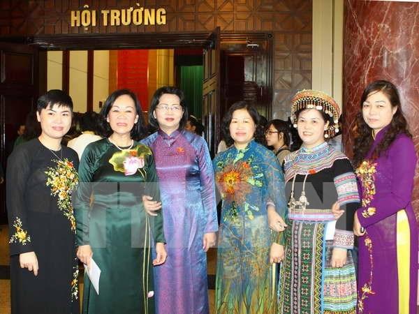 切实提高越南女国会代表的比例 hinh anh 1