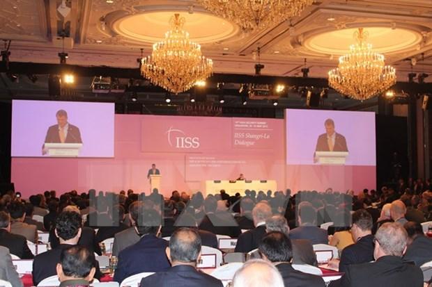 第15届香格里拉对话会:东海的和平与安全是地区与世界繁荣发展的迫切性 hinh anh 1