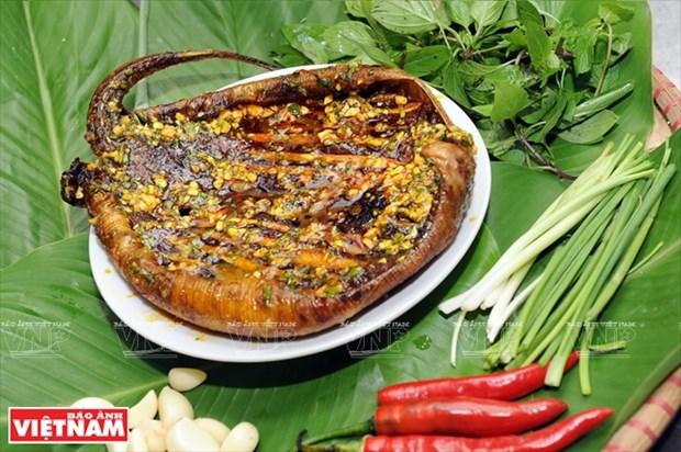 岘港市的特产:青椒烤鳐鱼 hinh anh 2