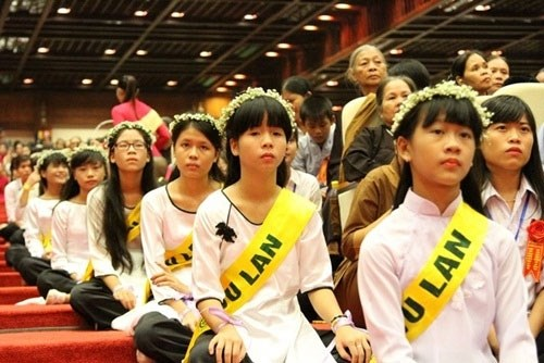 越南著名的五座寺里温暖人情的盂兰盆节 hinh anh 1