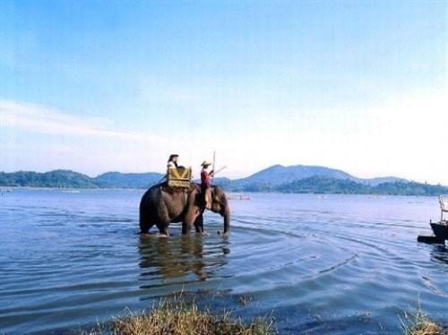 越南各地美丽的湖泊(组图) hinh anh 8